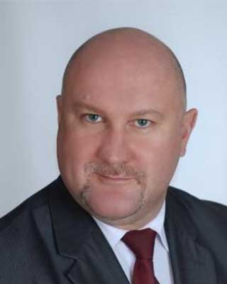 Dr. Aleksander Danda